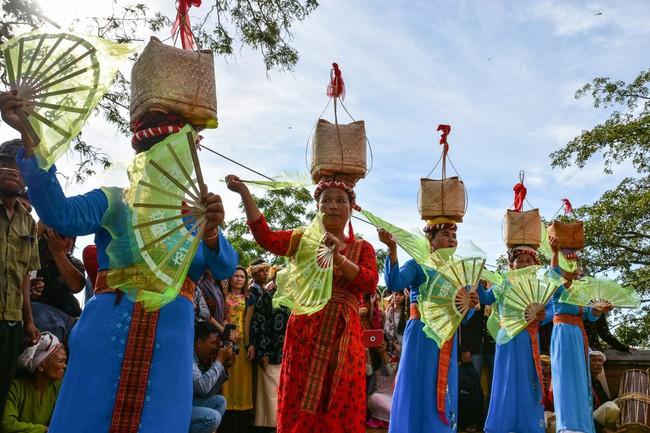 Ninh Thuận sẽ trình UNESCO công nhận Lễ hội Katê là Di sản văn hóa phi vật thể đại diện của nhân loại - Ảnh 1.