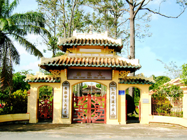 Bộ VHTTDL thẩm định Báo cáo kinh tế - kỹ thuật tu bổ 04 di tích trên địa bàn tỉnh Vĩnh Long - Ảnh 1.