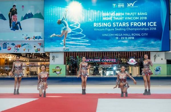 Khởi tranh Giải vô địch trượt băng nghệ thuật Vicom 2018  - Ảnh 1.