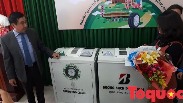 Thừa Thiên – Huế: Tiếp nhận thùng rác thông minh phục vụ người dân, cũng như khách du lịch - Ảnh 1.