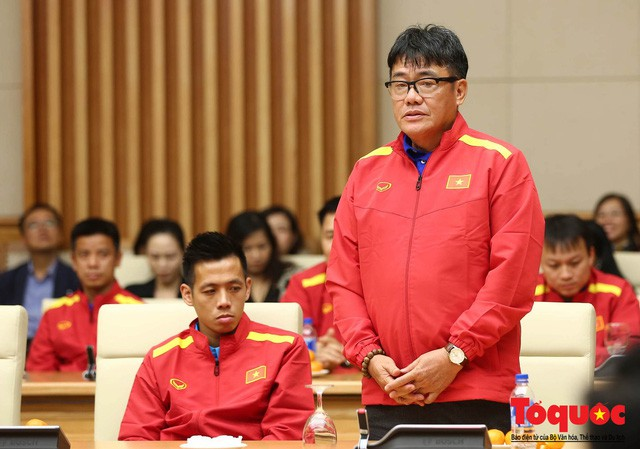 Thủ tướng Nguyễn Xuân Phúc: Đội tuyển Việt Nam là gam màu rất sáng đối với niềm tin của nhân dân trong phát triển thể thao của đất nước - Ảnh 3.