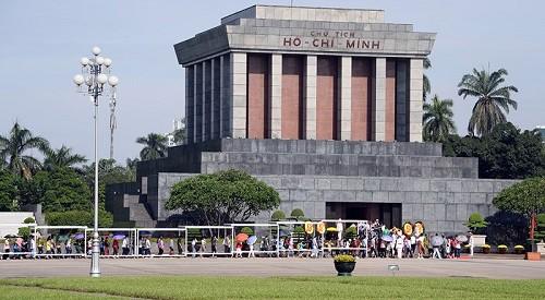 Thực hiện biện pháp cảnh vệ tại khu vực Lăng Chủ tịch Hồ Chí Minh và Quảng trường Ba Đình - Ảnh 1.