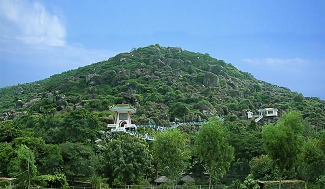 Xây dựng Khu di tích lịch sử đồi Tức Dụp  thành điểm du lịch nổi tiếng của tỉnh An Giang - Ảnh 1.