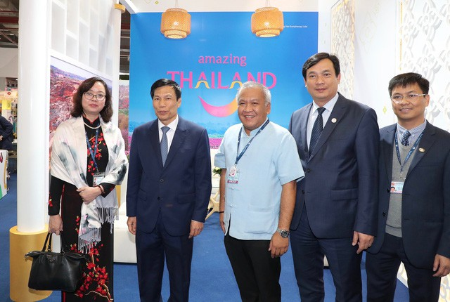 Bộ trưởng Nguyễn Ngọc Thiện thăm Hội chợ Du lịch Travex 2019 - Ảnh 3.