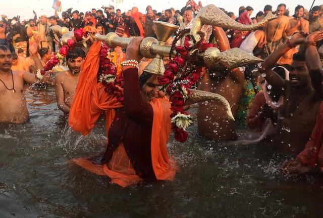 Độc đáo Lễ hội Kumbh Mela ở Ấn Độ 2019 - Ảnh 1.