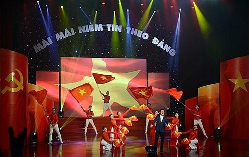 """Nhà hát Nghệ thuật Đương đại thực hiện chương trình nghệ thuật """"Mãi mãi niềm tin theo Đảng"""" - Ảnh 1."""