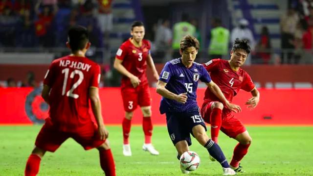 Truyền thông quốc tế chấm điểm tuyển Việt Nam: Sói đơn độc Công Phượng vẫn thể hiện xuất sắc - Ảnh 1.