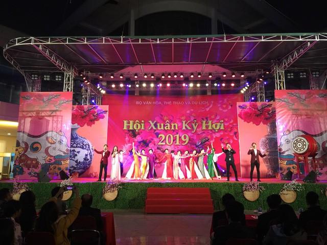 Khai mạc Hội Xuân Kỷ Hợi 2019 - Ảnh 1.