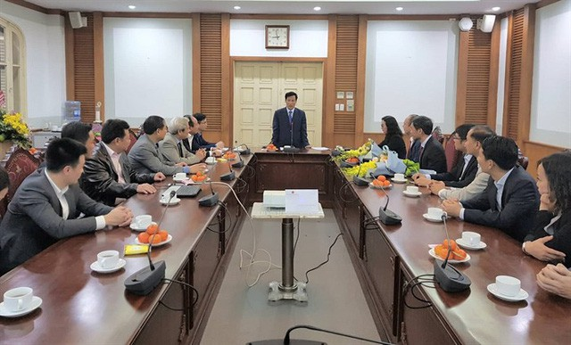 Bộ trưởng Nguyễn Ngọc Thiện trao quyết định bổ nhiệm nhân sự - Ảnh 1.