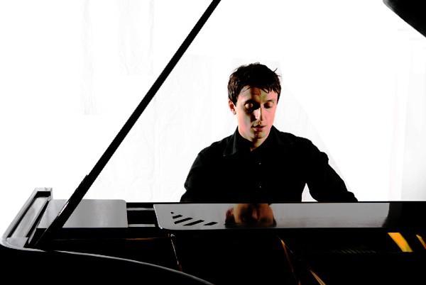 Nghệ sĩ Việt - Pháp hội ngộ trong đêm nhạc cổ điển Độc tấu piano Charles - Valentin Alkan - Ảnh 2.