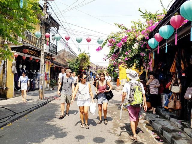 Du lịch Quảng Nam đạt doanh thu hơn 4.400 tỷ trong 9 tháng 2019 - Ảnh 1.