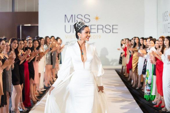 Khánh Hòa chỉ đạo công tác tổ chức cuộc thi Hoa hậu Hoàn vũ Việt Nam năm 2019 - Ảnh 1.