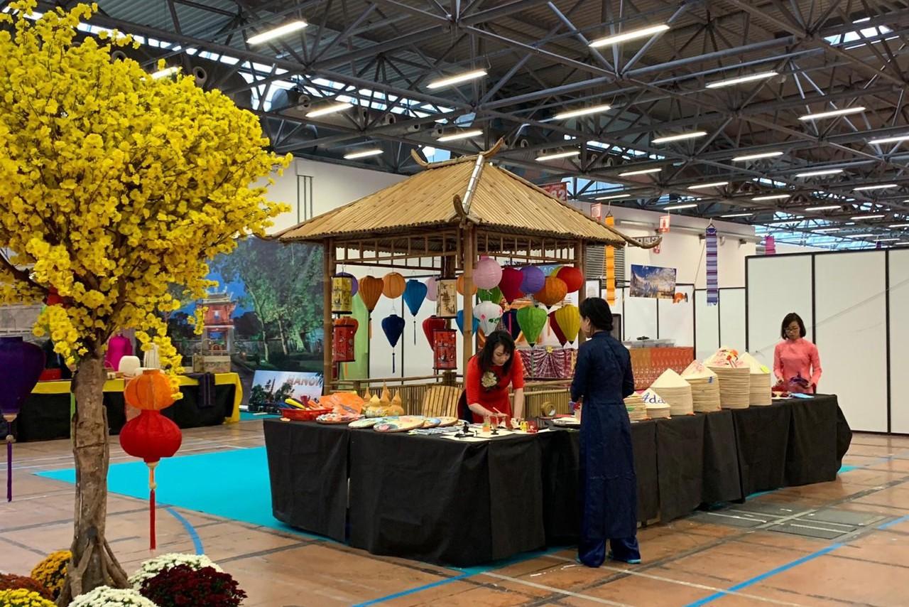 Việt Nam tham dự Lễ hội Phương Đông tại Tuscany, Italia - Ảnh 1.