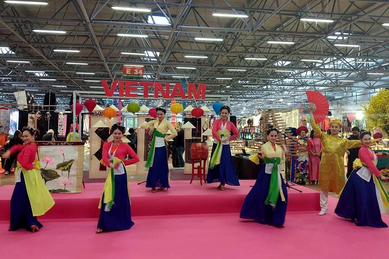Việt Nam tham dự Lễ hội Phương Đông tại Tuscany, Italia - Ảnh 4.