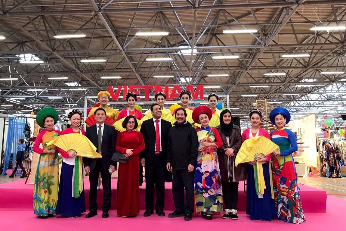 Việt Nam tham dự Lễ hội Phương Đông tại Tuscany, Italia - Ảnh 5.