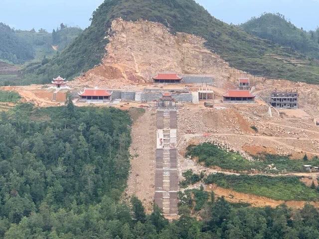 Bộ VHTTDL nêu ý kiến về Dự án Khu du lịch sinh thái văn hóa tâm linh Lũng Cú và Thang máy ngắm cảnh ở Đồng Văn, Hà Giang - Ảnh 1.