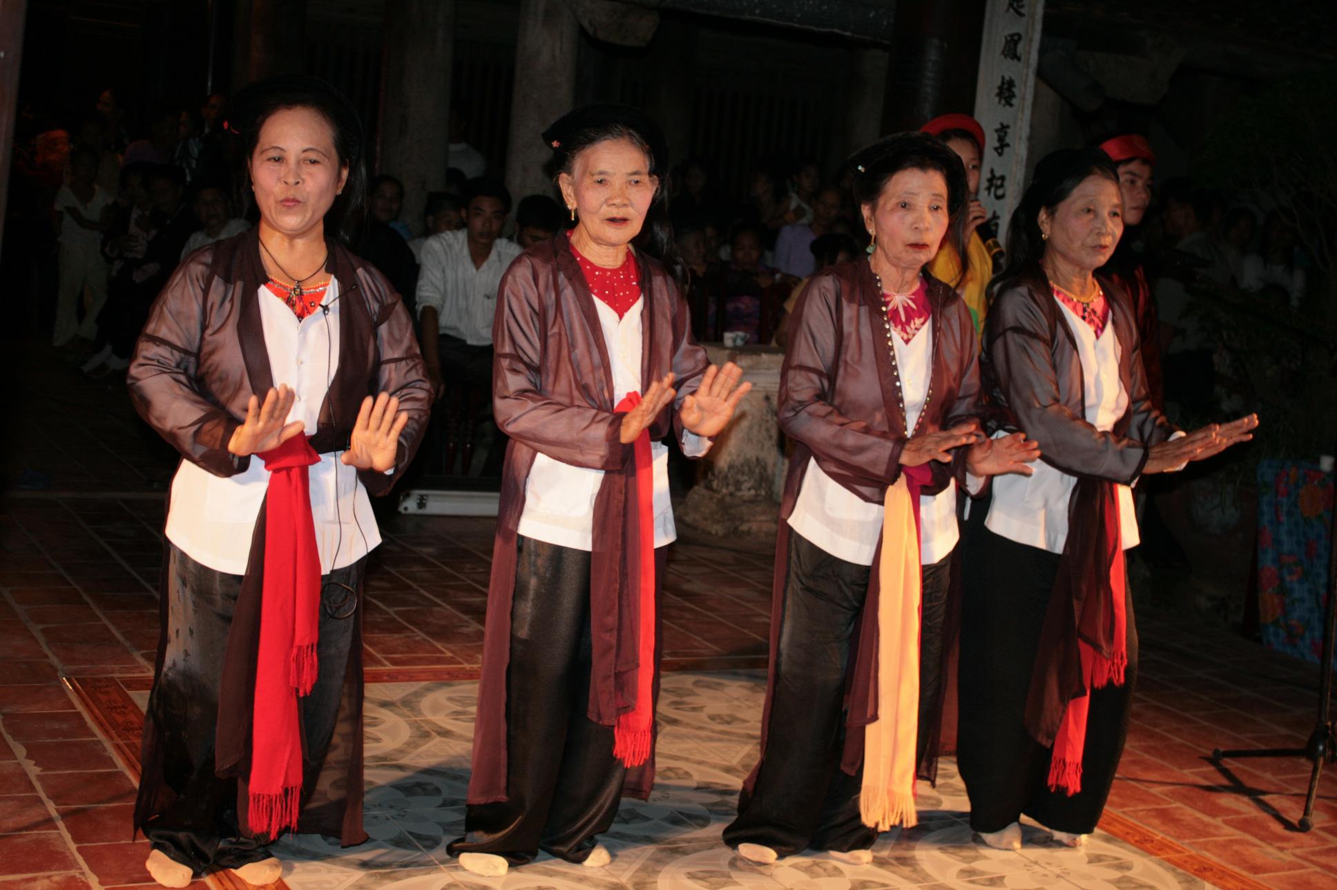 Lần đầu tiên tái hiện Hội làng Việt cổ và tôn vinh tín ngưỡng thờ Mẫu ở Phú Thọ - Ảnh 2.