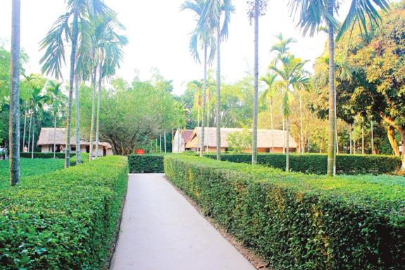 10 tháng đầu năm Nghệ An đón trên 6 triệu lượt khách du lịch - Ảnh 1.