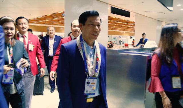 Bộ trưởng Nguyễn Ngọc Thiện tiếp lửa cho U22 Việt Nam - Ảnh 1.