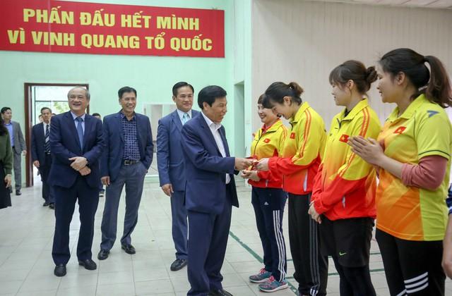 Hình ảnh Bộ trưởng Nguyễn Ngọc Thiện thăm và chúc Tết các VĐV, HLV  - Ảnh 6.