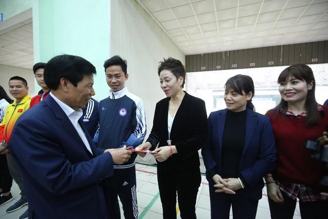 Hình ảnh Bộ trưởng Nguyễn Ngọc Thiện thăm và chúc Tết các VĐV, HLV  - Ảnh 7.
