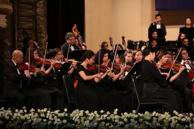 Đến với những bờ bến lạ của thế giới âm nhạc hàn lâm trong đêm hòa nhạc Vũ điệu Mặt Trời. - Ảnh 3.