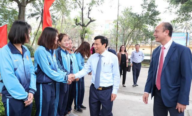 Bộ trưởng Nguyễn Ngọc Thiện thăm và làm việc với Trường Đại học Thể dục, Thể thao Bắc Ninh  - Ảnh 4.
