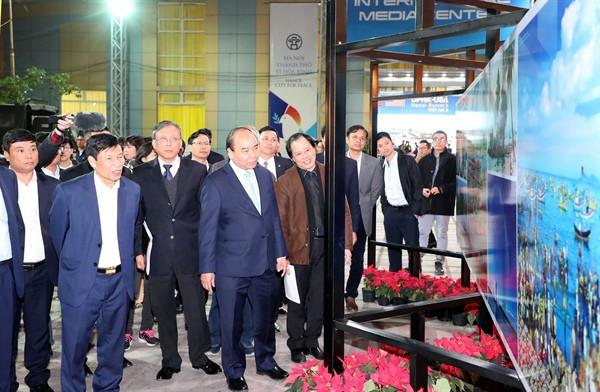 Thủ tướng: Phải tận dụng cơ hội này để quảng bá văn hoá, du lịch Việt Nam - Ảnh 1.