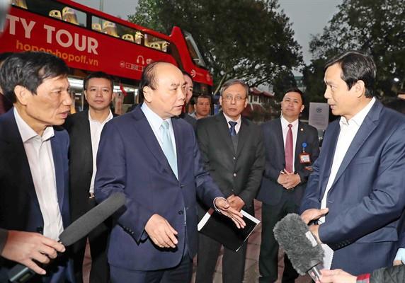 Thủ tướng: Phải tận dụng cơ hội này để quảng bá văn hoá, du lịch Việt Nam - Ảnh 2.