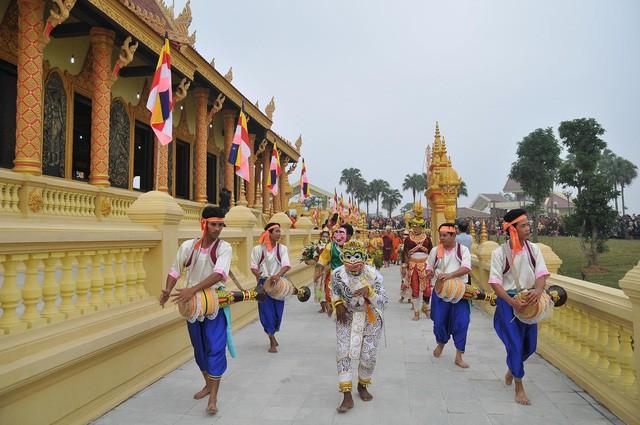 Để Làng Văn hóa – Du lịch các dân tộc Việt Nam mãi lan tỏa giá trị văn hóa, gắn kết cộng đồng các dân tộc  - Ảnh 3.