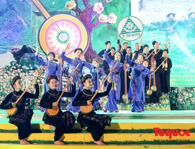 Vụ Văn hóa dân tộc: Nỗ lực bảo tồn và phát huy văn hóa truyền thống các dân tộc thiểu số - Ảnh 3.