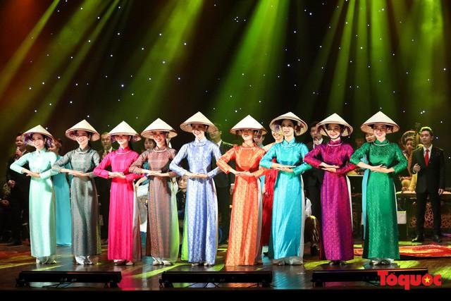 Tổng duyệt chương trình nghệ thuật đặc biệt chào mừng Chủ tịch Triều Tiên Kim Jong - un thăm chính thức Việt Nam - Ảnh 7.