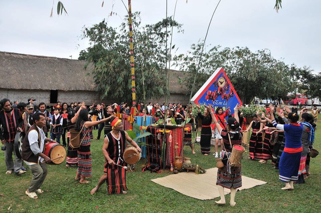 Tái hiện Lễ trỉa hạt của các dân tộc Tây Nguyên tại Làng  - Ảnh 4.