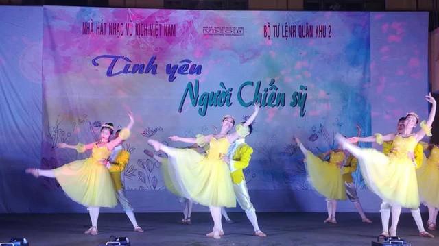 Nhà hát Nhạc Vũ Kịch Việt Nam đưa nghệ thuật hàn lâm lên biên giới - Ảnh 1.