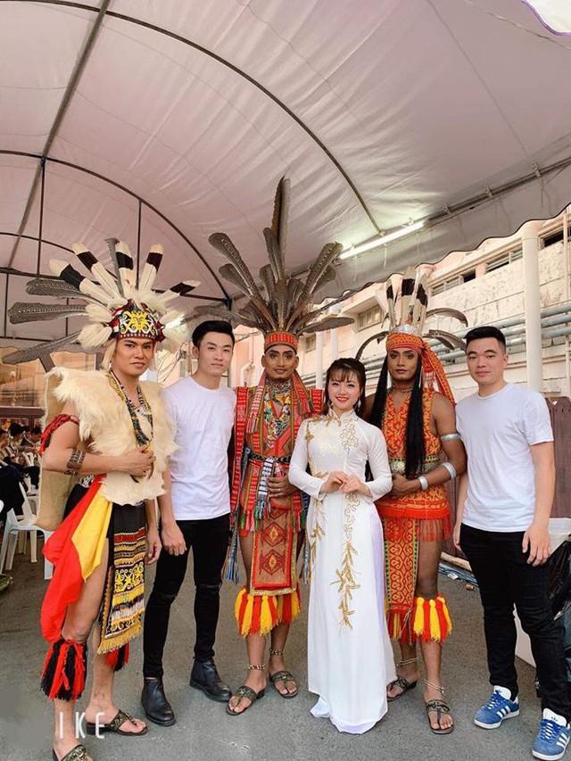 Nghệ thuật Việt Nam được bạn bè quốc tế đánh giá cao tại Liên hoan các dân tộc Asean - Ảnh 7.