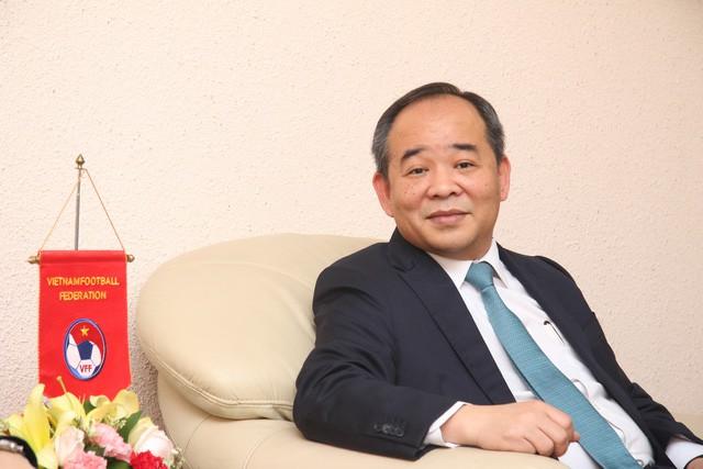 Thứ trưởng Bộ VHTTDL, Chủ tịch VFF Lê Khánh Hải tiếp Chủ tịch Liên đoàn bóng đá Trung Quốc - Ảnh 2.