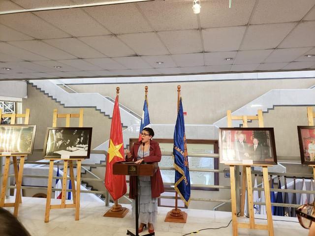 Triển lãm ảnh về Việt Nam tại Chile - Ảnh 1.