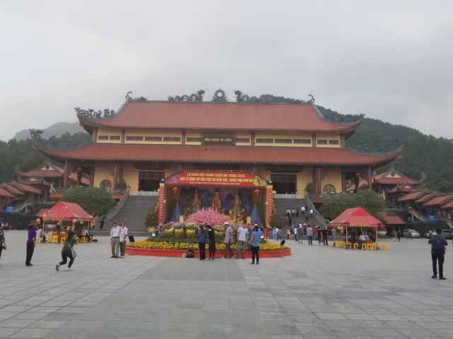 Chủ tịch UBND TP Uông Bí: Đồng thuận quan điểm xử lý nghiêm khắc sư trụ trì chùa Ba Vàng - Ảnh 3.