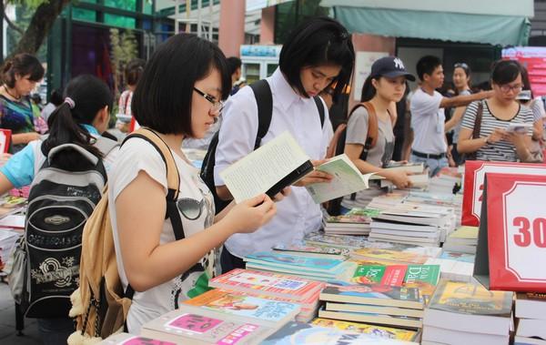 Kiên Giang: Tuyên truyền các hoạt động Ngày sách Việt Nam gắn với kỷ niệm 50 năm thực hiện Di chúc Chủ tịch Hồ Chí Minh - Ảnh 1.