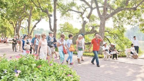 Gần 5 triệu lượt khách du lịch quốc tế đã đến Việt Nam trong quý I/2019 - Ảnh 1.
