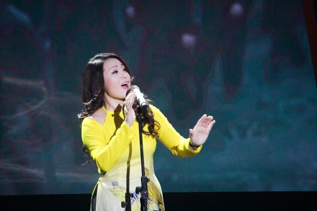 """Nhà hát Ca Múa Nhạc Việt Nam với chương trình nghệ thuật """"Một nửa trái tim"""" nhân dịp 8/3 - Ảnh 2."""