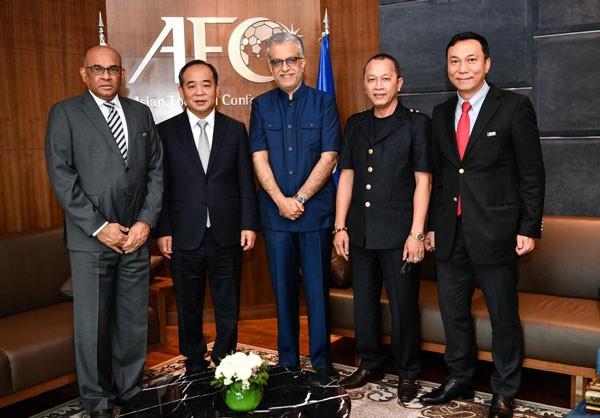 Chủ tịch VFF Lê Khánh Hải thăm và làm việc với Chủ tịch AFC - Ảnh 4.