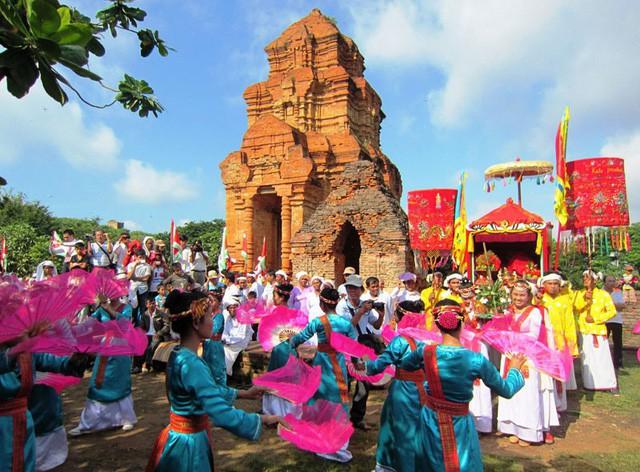 Ninh Thuận: Triển khai thực hiện Đề án truyền thông về phát triển Phong trào Toàn dân đoàn kết xây dựng đời sống văn hóa năm 2019 - Ảnh 1.