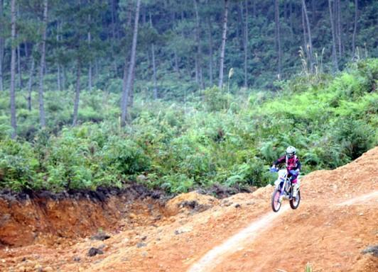 Hà Giang lần đầu tổ chức giải Đua xe mô tô, ô tô địa hình - Ảnh 1.