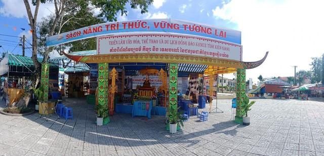 Kiên Giang: Tiếp tục xây dựng và phát triển văn hóa, con người Việt Nam đáp ứng yêu cầu phát triển bền vững đất nước - Ảnh 2.