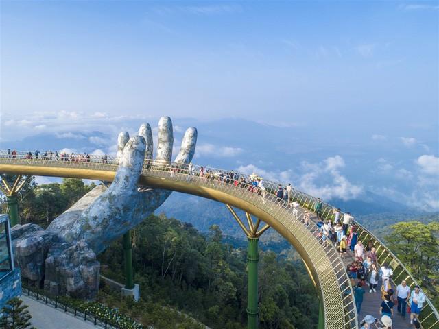 Khách du lịch quốc tế đường hàng không đến Đà Nẵng tăng mạnh - Ảnh 1.
