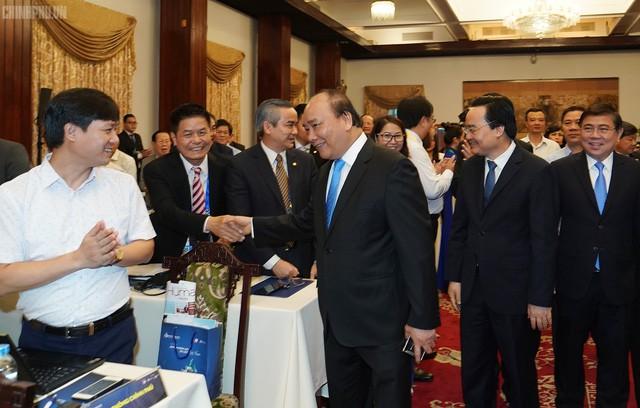 Thủ tướng Nguyễn Xuân Phúc nhấn mạnh đến 3 yếu tố để góp phần đưa du lịch trở thành ngành kinh tế mũi nhọn - Ảnh 1.
