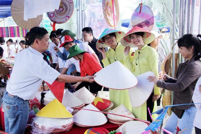 Hà Nội: Tổ chức nhiều hoạt động văn hóa tôn vinh nghệ nhân, quảng bá làng nghề, phố nghề - Ảnh 1.