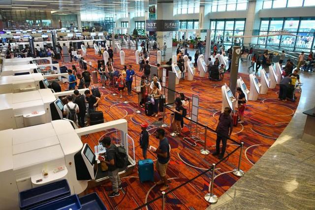 Singapore cho phép khách nước ngoài xuất cảnh nhanh và thuận tiện hơn bằng ứng dụng công nghệ mới - Ảnh 1.