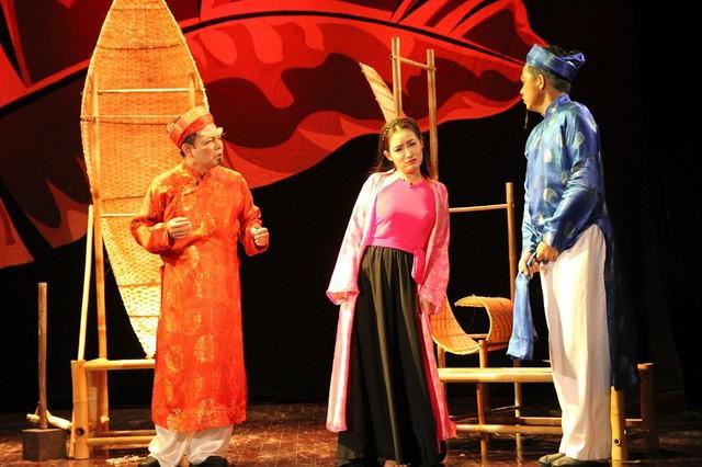 Nghêu Sò Ốc Hến của Nhà hát Kịch Việt Nam gây ấn tượng tại Diễn đàn người Việt có tầm ảnh hưởng toàn cầu ở Pháp - Ảnh 1.